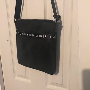 Large crossbody Tommy Hilfiger new whit tags